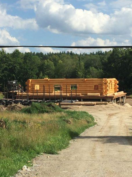 Ottawa one-storey log home