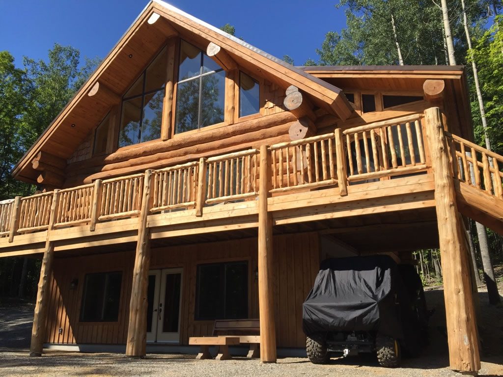 Calabogie rustic log cabin