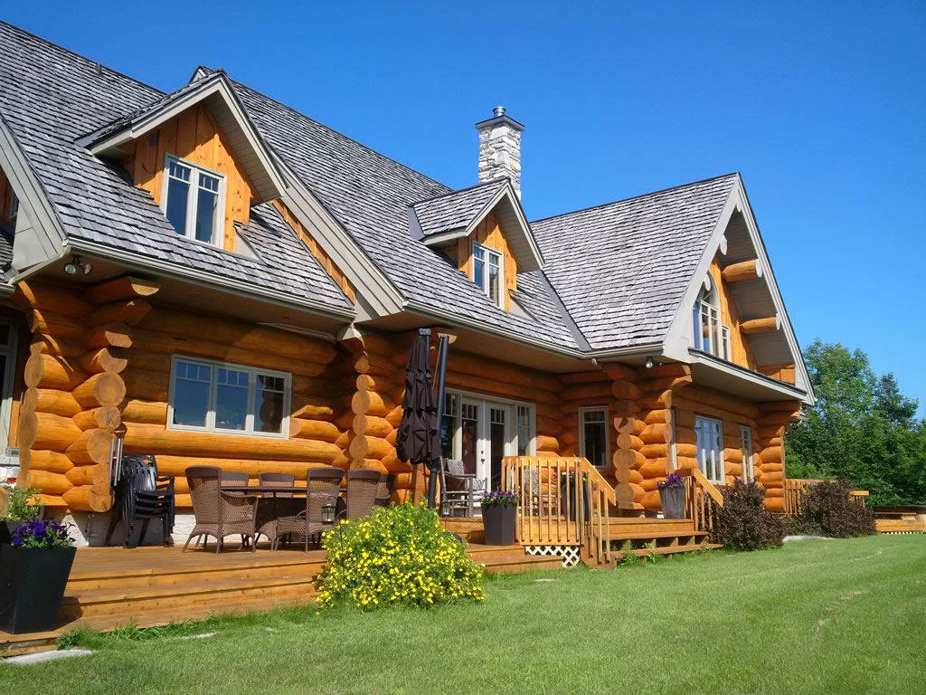 Log home with stain